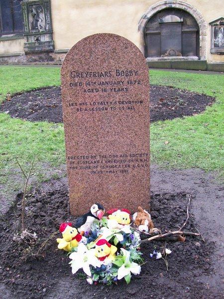 Bobby's grave.jpg