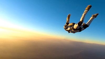 skydiving-fantastic-56aa01e03df78cf772ac053c.png